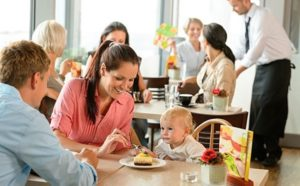 top-tips-on-taking-your-baby-or-toddler-out-to-restaurants-02