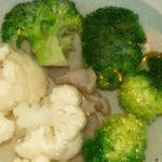 Пюре из кролика, брокколи и цветной капусты