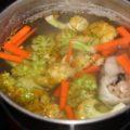 Рагу из рыбы, картофеля, моркови и брокколи