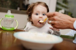 Как кормить простывшего ребёнка, который уже на прикорме?