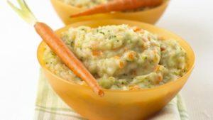 Пюре из моркови, брокколи с сыром