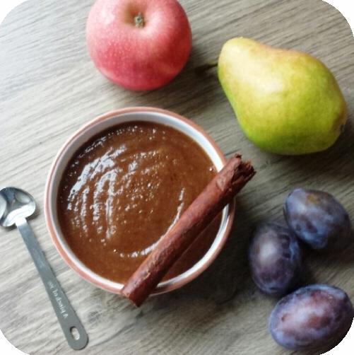 Пюре из груши, яблока, слив и чернослива