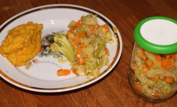 Рагу из кабачков, моркови и брокколи