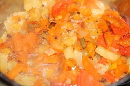 Овощной суп с сыром и кукурузной манкой