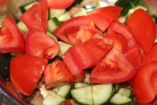 салат нут помидор