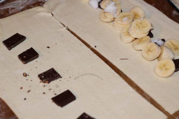 тесто с шоколадом и бананом
