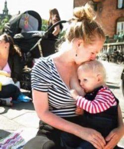 Не стыдно кормить малыша грудью