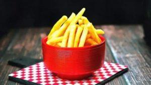 кушать картофель фри привередливому едоку